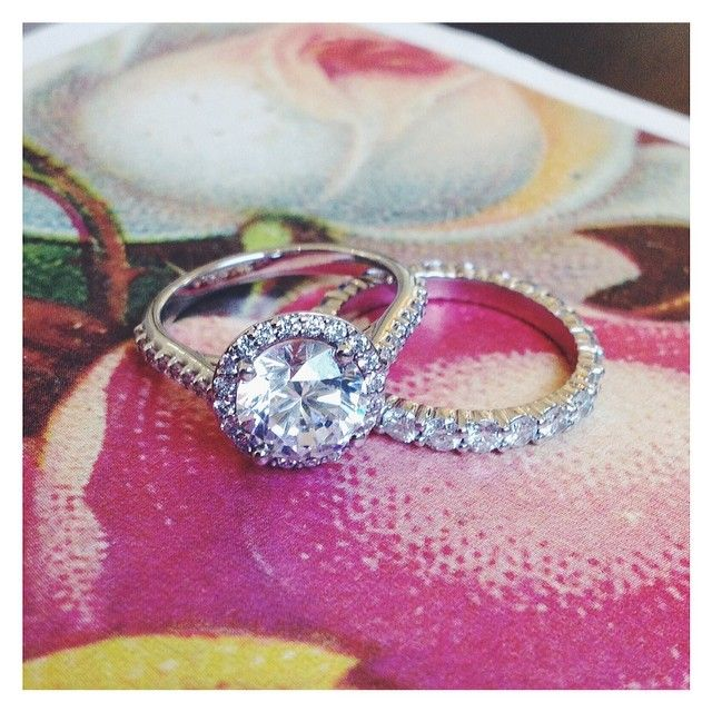 classic, elegant, diamond rings and traditional wedding