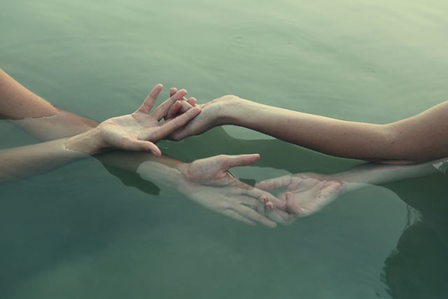water, pale, nature, photography, life, hipster, photo, tumblr, indie, hands, relax, green, grunge