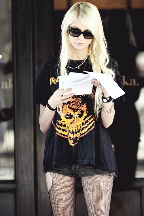 taylor momsen   Tumblr - image #1900870 by Maria_D on ...