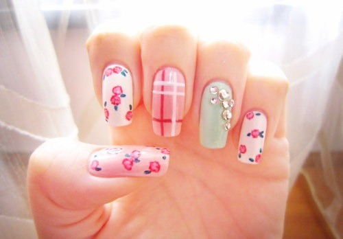 Floral nails via tumblr image 2105883 by taraa on for Cool girly stuff