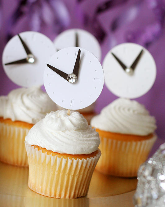 clocks, cupcakes, diy, new year, party, toppers