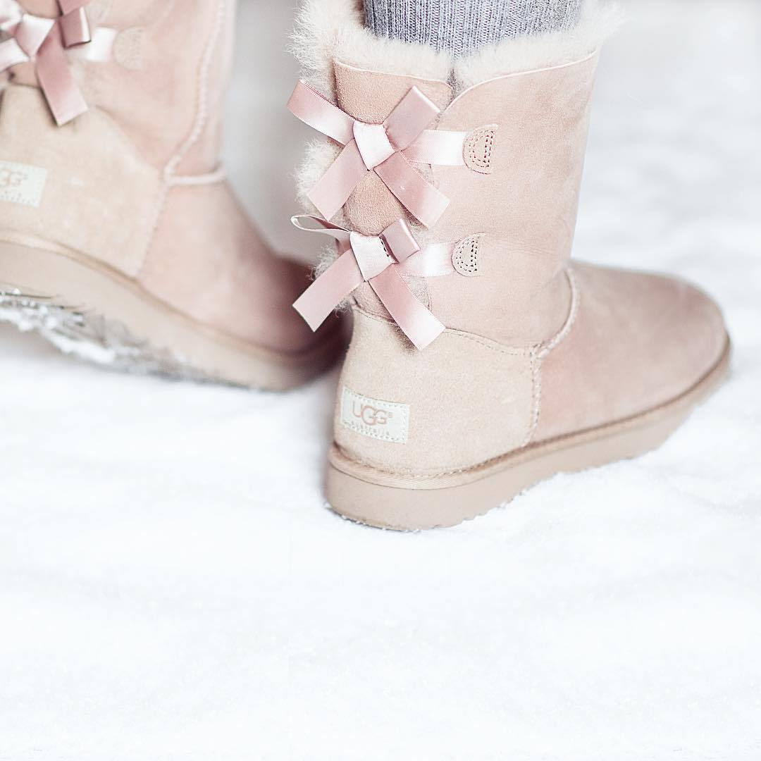 boots, bow, cute, fashion, girly, mushroom, rose, snow, uggs, white, winter, bailey bow