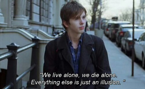 art, arte, by, de, el, emma roberts, freddie highmore, getting, insane, of, quote, quotes, the, todo, pasar