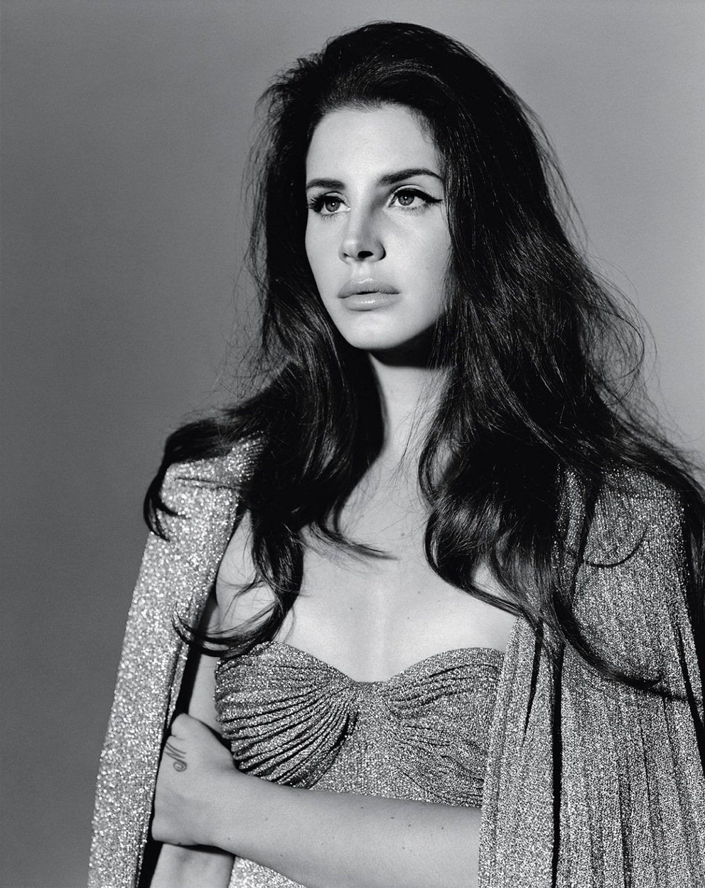 beautiful, black, black and white, brunette, celebrity, chic, classy, clothes, cute, dress, famous, fashion, girl, hair, it, lana del rey, lovely, luxury, make up, minimalism, people, photography, random, shining, shooting, singer, star, usa, woman