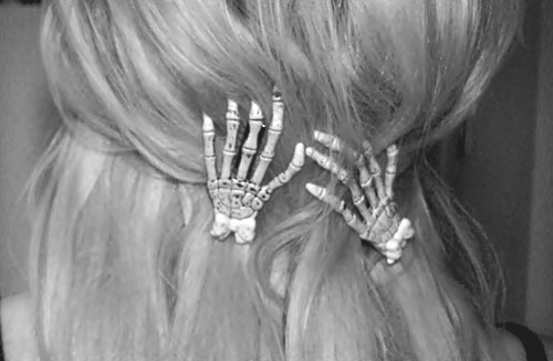 acessorie, acessories, b&w, black and white, blonde, hair, hair acessorie, hair acessories, hand, hands, skeleton, skeleton hand, skeleton hands, skeletons