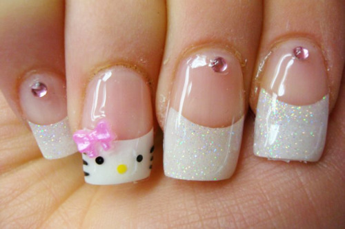 acrylics, glitter, hello kitty, nails