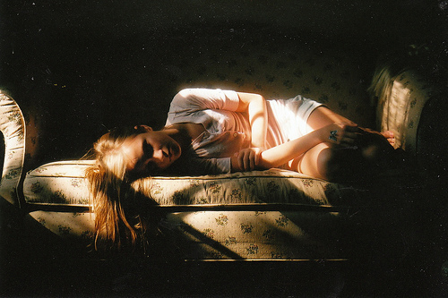 alone, beauty, distress, film, girl, hipster, indie, vintage, warm