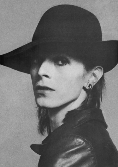 androgynous, androgyny, beautiful, black and white, boy, david bowie, fashion, hat, i love him, leather jacket, make up, man, photography, skinny