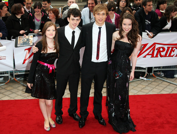anna popplewell, georgie henley, narnia, skandar keynes, william moseley