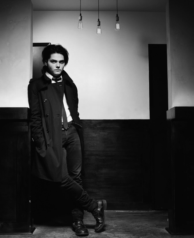 b&w, beautiful, black and white, gee, gerard way