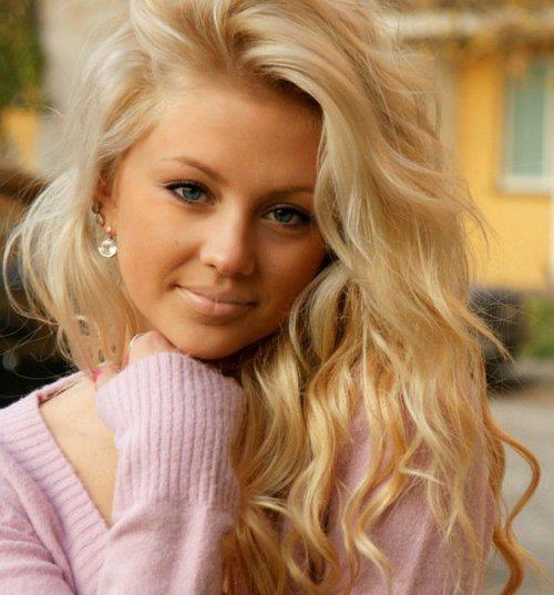 Barbie blonde curls cute famous fashion girl girls hair