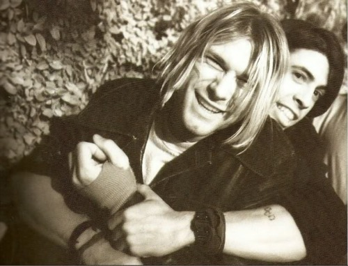 beautiful, dave grohl, friendship, kurt cobain, men, music, nirvana