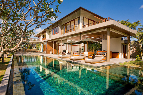 Beautiful House Luxury Rich Swimming Pool Image
