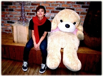 big, big bang, boy, chic, cute, fashion, g-dragon, male, photography, red, smile, style, teddybear