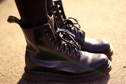 black, dr martens, dr martens black, fashion, feet