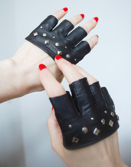 bling, gloves, leather, rock