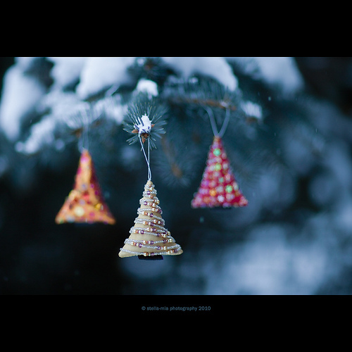 christmas, christmas tree, decoration, pearls, snow