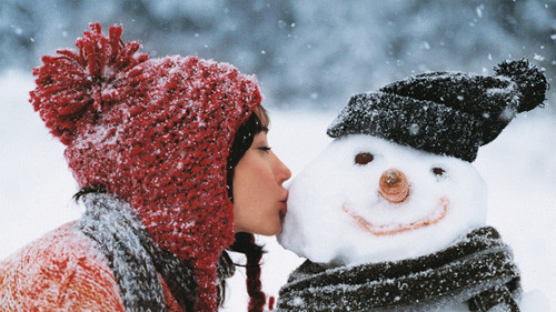 cold, cute, fun, girl, kiss, play, smile, snow, snowman, winter