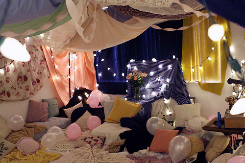 Great Slumber Party Blanket Fort 500 x 333 · 156 kB · jpeg