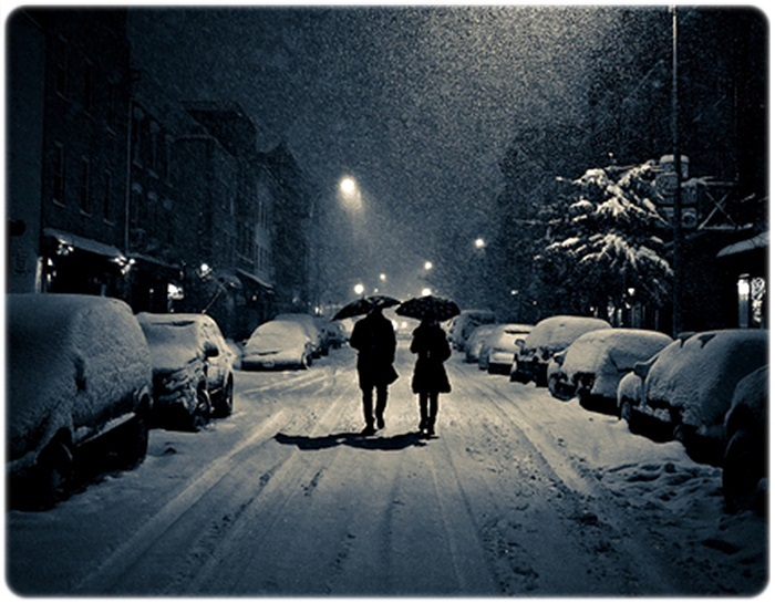http://s3.favim.com/orig/38/couple-night-snow-umbrella-winter-Favim.com-317453.jpg
