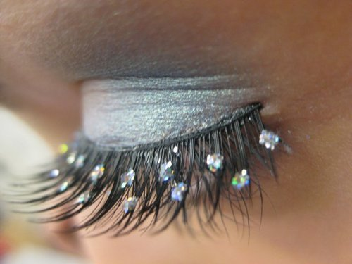 eye shadow, eyes, fake lashes, glitter, grey