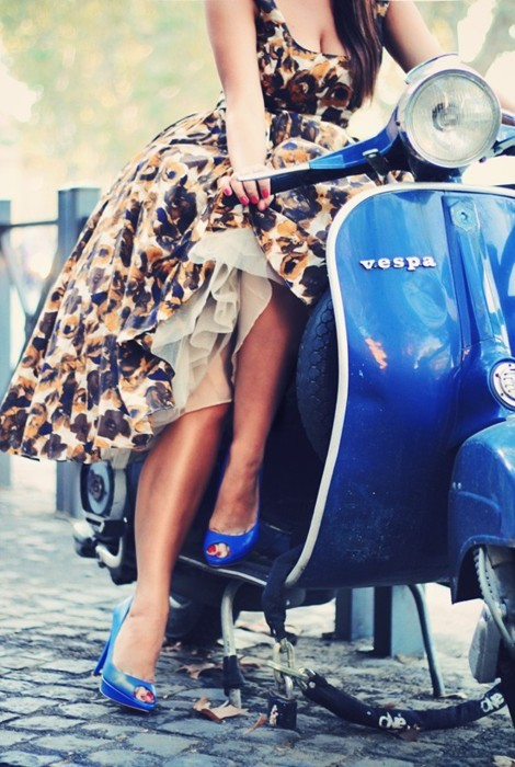 fashion, girl, motor, vespa, vintage