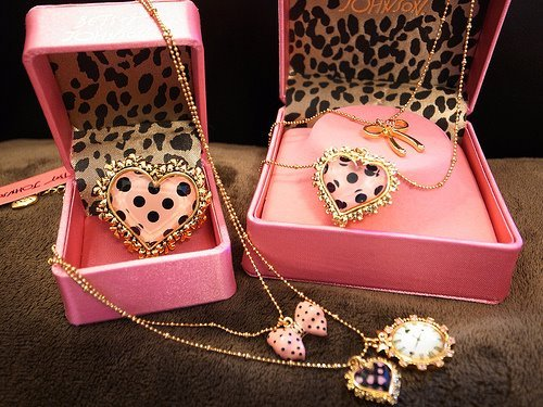 accessories, bangle, betsey johnosn, black, bracelet, earrings, fashion, gold, golden, jewelry, leopard, pink, rond, style