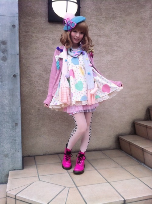 adorable, baby doll, beret, bows, cute, dots, fairy kei, fashion, girl, glasses, kawaii, kei, kyary, kyary pamyu pamyu, love, pastel, pink boots, polka dot, pretty, shoes, street style, style, sweet, tights, tokyo