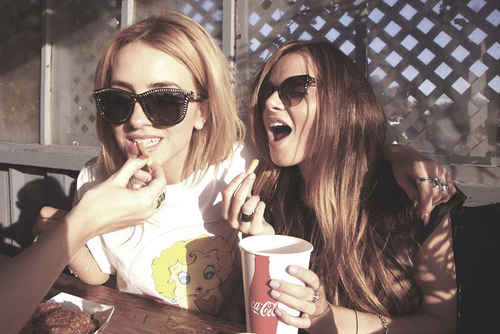 adorable, beautiful, blonde, brunette, cola, couple, cute, fashion, fastfood, food, friends, girl, girls, girly, glasses, hair, model, models, pretty, soda, style, summer, sun, sunglasses