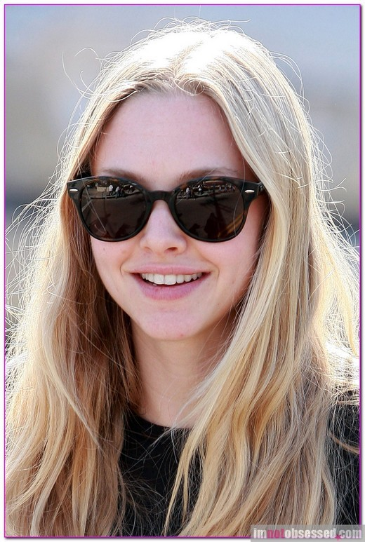 amanda, amanda seyfried, blonde, natural, natural beauty, smile, sunglasses