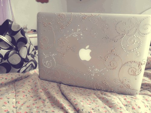 apple, bed, computer, girl, laptop, mac, room, vintage