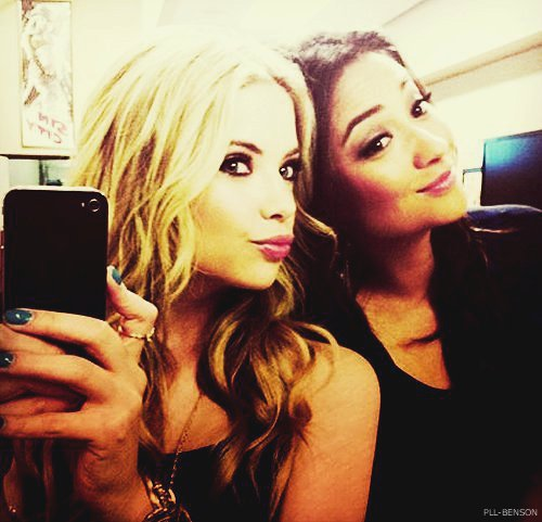 ashley, ashley benson, best friend, best friends, bitch, bitches, blonde, brunette, cute, emily, emily fields, eyes, friend, friends, hair, hanna, hanna marin, liar, liars, lips, little liar, little liars, nail polish, nails, phone, pretty