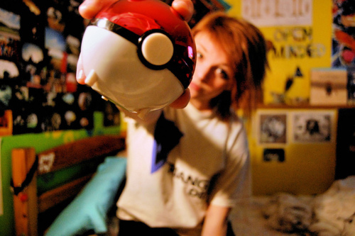 ball, chica, ginger, girl, pelirroja, pokeball, pokemon, pokemon ball, posters, red, red hair, red haired, room, walls