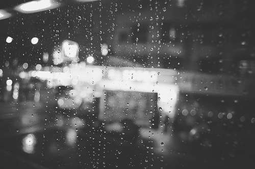 b&w, black and white, bokeh, city, city lights, ligh, lights, night, night llights, rain, rain drop, rain drops, urban