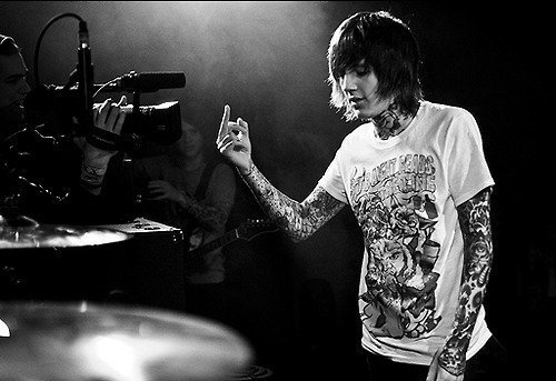 band, black and white, bring me the horizon, hardcore, middle finger, music, oliver sykes