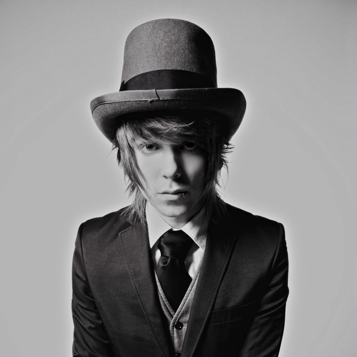black and white, chris drew, christofer drew, gorgeous, never shout never