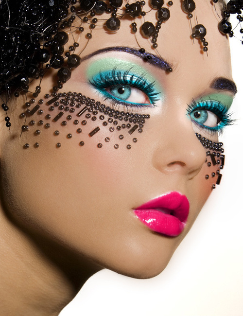 bllue, eye lashes, eye shadow, green, jewels, lip gloss, model, photography, pink, pretty