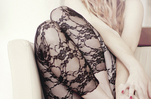 blonde, fashion, girl, girls, gorgeous, lace, leggings, leggins, legs, manicure, pretty, skinny, thin