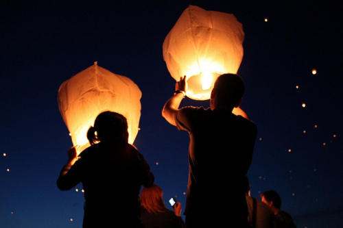 boy, fun, funn, girl, guy, lantern, light, love, man, nice, night, photo, photograph, photography, picture, romantic, woman