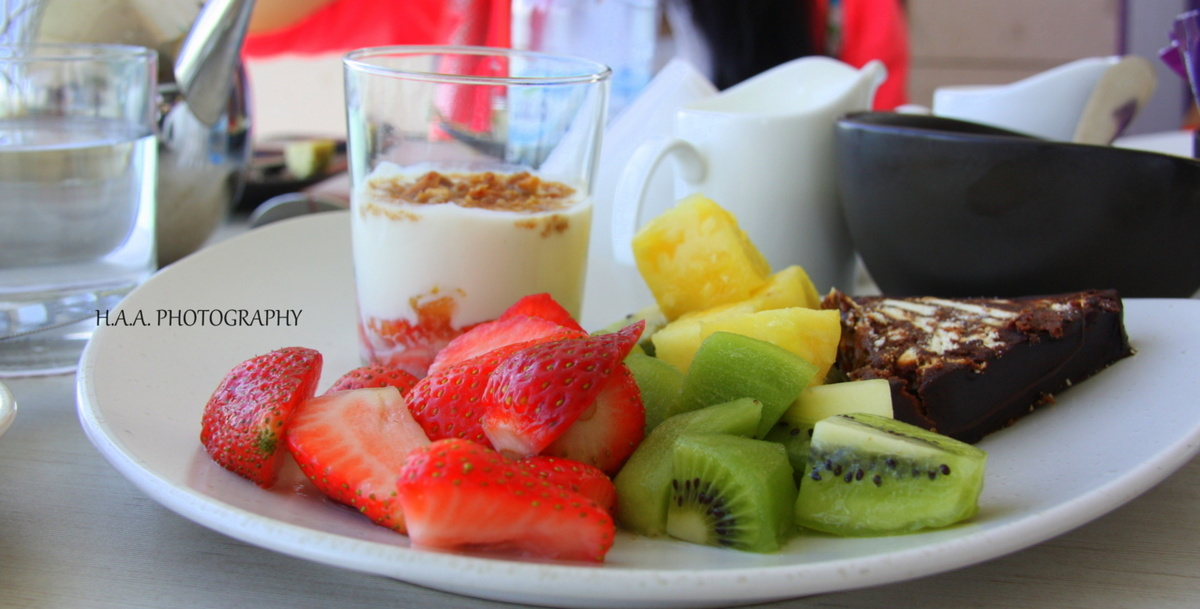 breakfast, cake, chocolate cake, fruits, kiwi