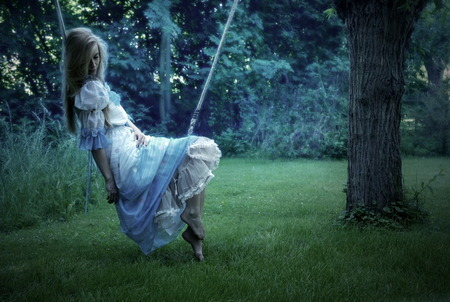 broken heart, garden, girl, grass, lonley, tree