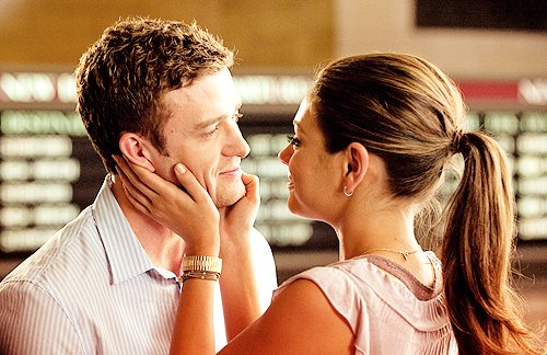 brunette, cute, friends with benefits, justin timberlake, love, mila kunis, pink