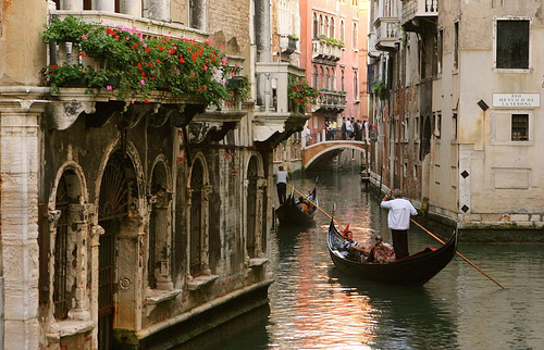 canal, gondola, prety, red, romantic