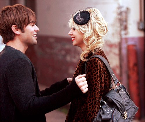 chace crawford  couple  cute  gossip girl  taylor momsenTaylor Momsen And Chace Crawford Gif