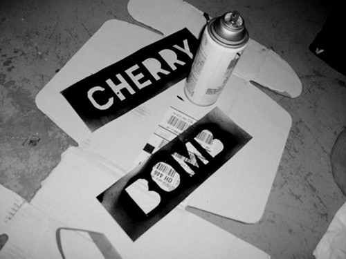 cherry bomb, joan jett, the runaways