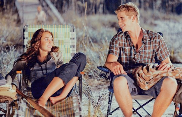 couple, cute, liam hemsworth, miley cyrus, the last song