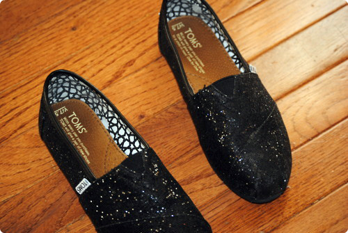 fashion, glitter, glitter toms, shoes, style, toms