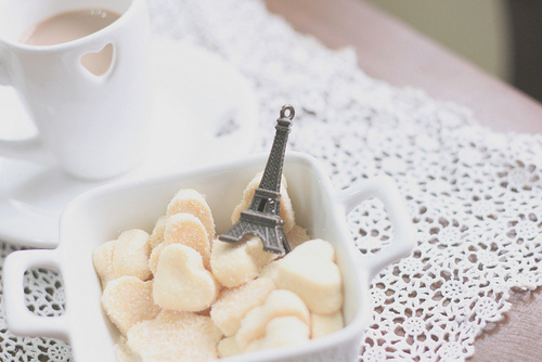 aseriesofserendipity, beautiful, biscoitos, bokeh, by melina de souza, by melina souza, cookies, creative, crochet, cup, cute, diy, eiffel tower, honey pie, honeypie, melina de souza, melina souza, melinwonderland, paris, pendant, pingent
