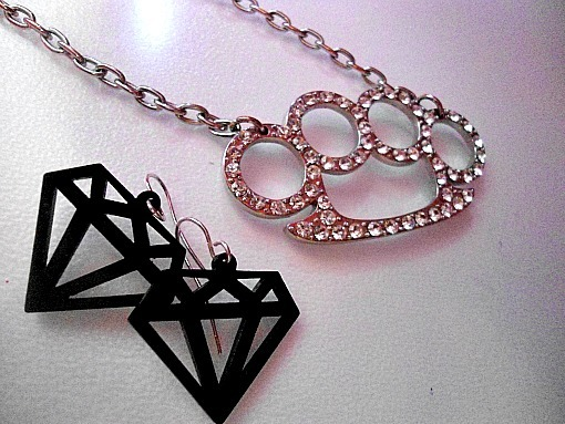 accessorycute, boss, cartoon, diamond, duster, earrings, emo, fashion, girly, jewelry, knuckle, necklace, queen, scene, style