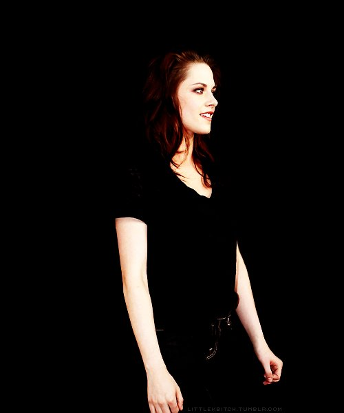 actress, beautiful, beauty, black, breaking, dawn, eclipse, girl, hot, hotness, kristen, life, moon, new, rob, saga, stewart, thinking, thinks, twilight, white